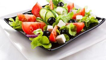 Photo free plates, salad, greek