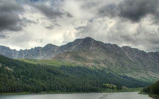 Фото бесплатно река, горы, лес, деревья, небо, тучи