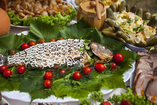 Бесплатные фото помидоры,блюда,ассорти,рыба,огурцы