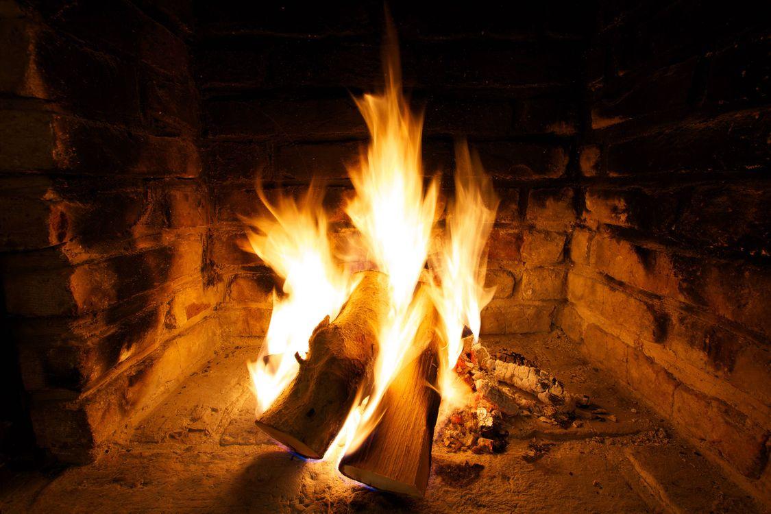 Фото бесплатно камин, печь, огонь, дрова, пламя, костёр, угли, разное
