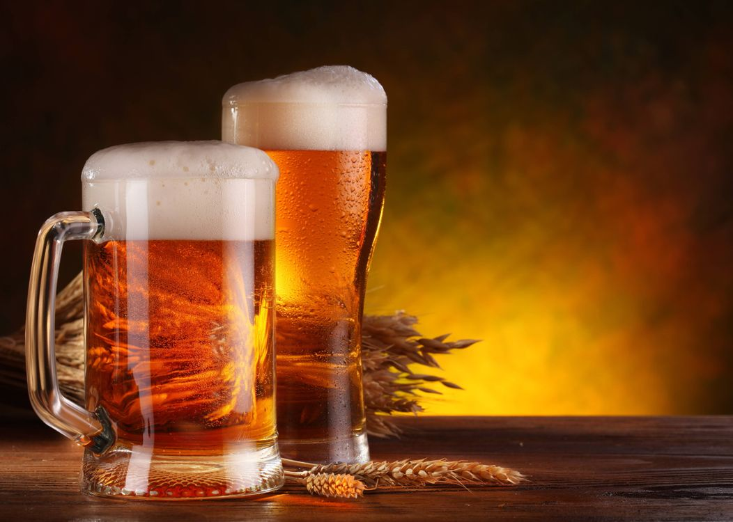 Фото бесплатно пиво, бочка, бокалы, кружки, пена, ячмень, напиток, напитки