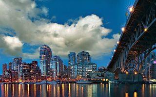 Фото бесплатно вечер, река, катера, судна, мост, дама, здания, высотки, огни
