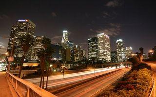 Бесплатные фото ночь,улица,дорога,дома,небоскребы,огни