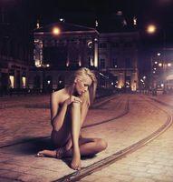 Бесплатные фото трамвайный путь,ночь,девушка,ситуация