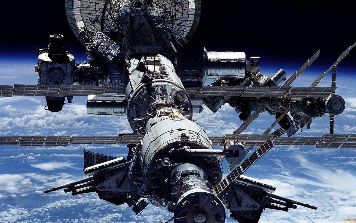 Фото бесплатно мкс, оборудование, солнечные батареи, орбита, земля, невесомость, вакуум, космос