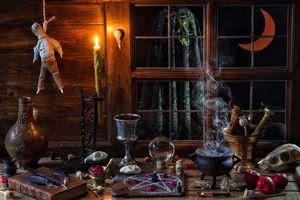 Бесплатные фото стол,свеча,книга,кувшин,Halloween,натюрморт