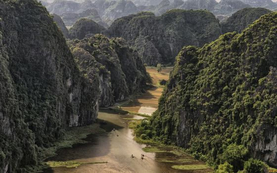 Бесплатные фото горы,растительность,река,люди,лодки