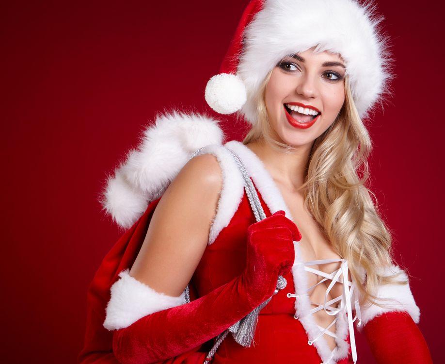 Фото бесплатно гламур, красота, модель, красивый макияж, красотка, настроение, стиль, новогодняя девушка, снегурочка, новогодний костюм, с новым годом, новогодние обои, девушки