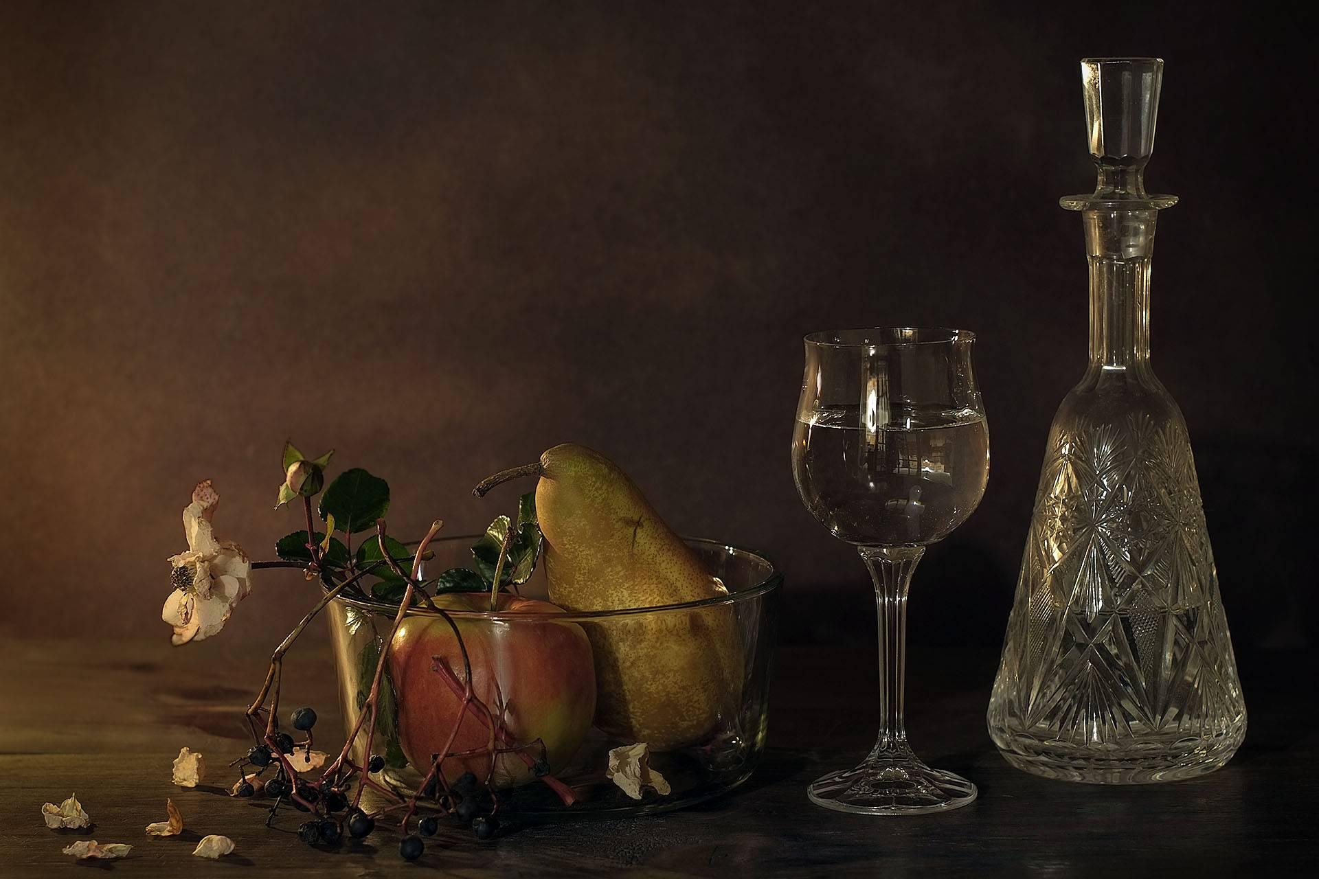 Обои стекло, натюрморт, бутылка, цветы, графин. Разное foto 13