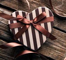 Бесплатные фото день святого Валентина,подарок,лента,бантик,сердечко