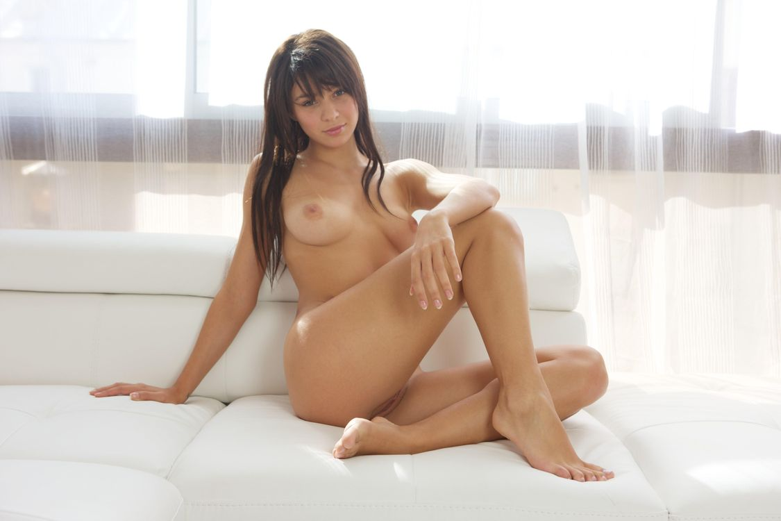 Фото бесплатно Hannah E, красотка, голая, голая девушка, обнаженная девушка, позы, поза, сексуальная девушка, модель, эротика, эротика