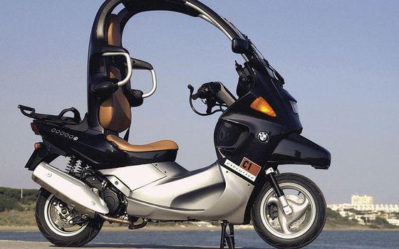 Фото бесплатно бмв, скутер, крыша, руль, выхлоп, колеса