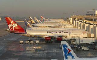 Заставки аэропорт, здание, самолеты, пассажирские, надписи, автомобиль