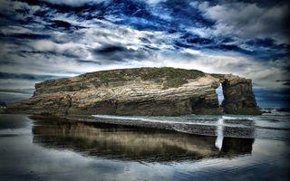 Бесплатные фото море,волны,скала,камни,растительность,арка,небо