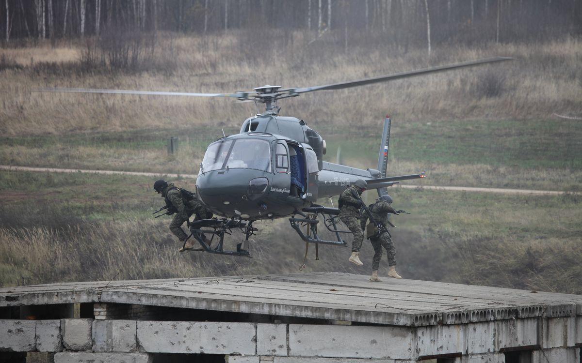 Обои вертолет, высадка, спецназ картинки на телефон
