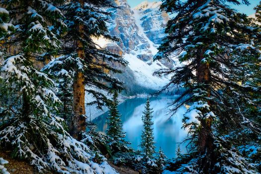 Photo free Moraine Lake, Alberta, Canada