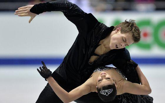 Photo free figure skating, pair, costumes