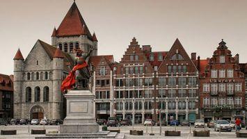 Бесплатные фото площадь,статуя,монумент,машины,здание,окна,башни