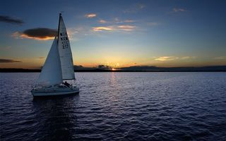 Обои вечер, море, яхта, парус, горизонт, небо, облака, закат