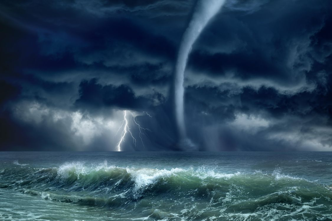 Обои волны, море, молния картинки на телефон