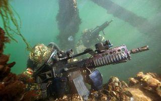 Бесплатные фото море,солдаты,подводники,автоматы,амуниция