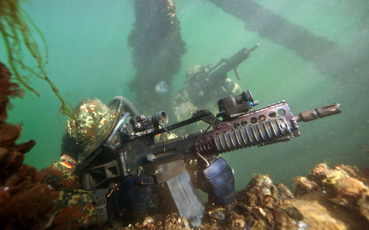 Photos for free sea, soldiers, submariners - to the desktop