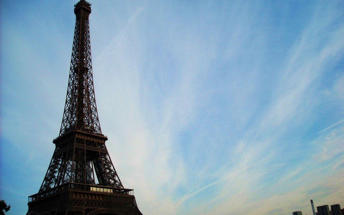 Фото бесплатно Эйфелева башня, небо, интересные места - на рабочий стол