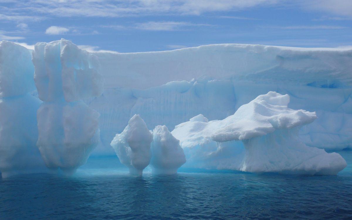 Фото бесплатно море, льдины, айсберг, небо, облака, природа - скачать на рабочий стол