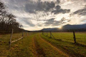 Бесплатные фото Национальный парк Грейт-Смоки,поле,дорога,закат,пейзаж