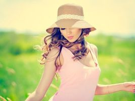 Бесплатные фото Лето,солнце,поле,шляпа,девушка,красота