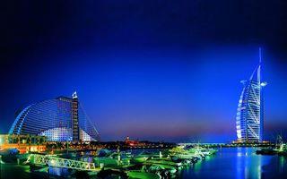 Фото бесплатно ночь, Дубаи, курорт, пристань, яхты, отель парус, подсветка