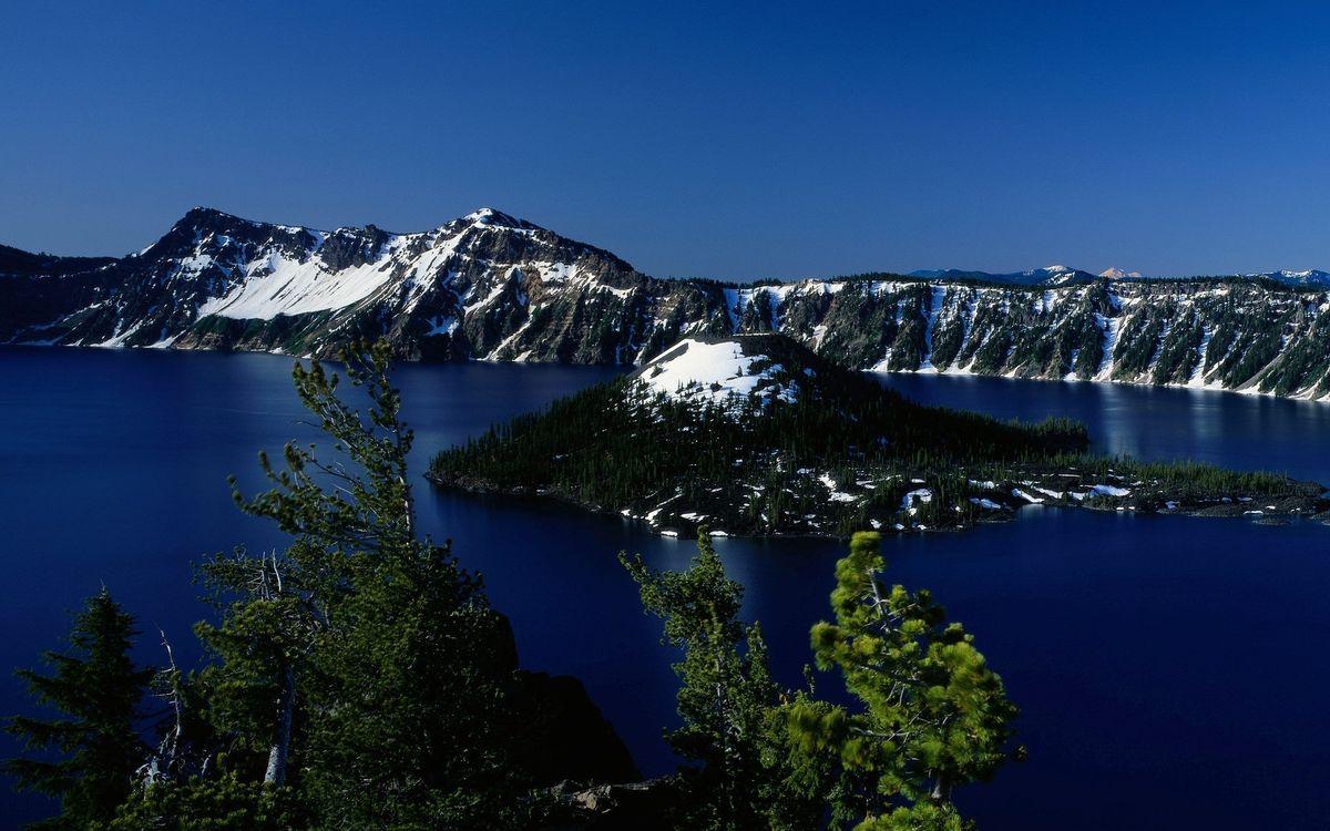 Фото бесплатно деревья, озеро, остров, горы, снег, небо, пейзажи