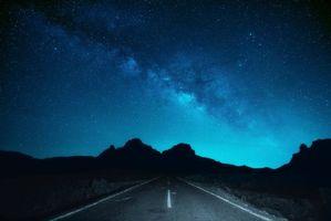 Заставки дорога под ночным небом, звезды, млечный путь