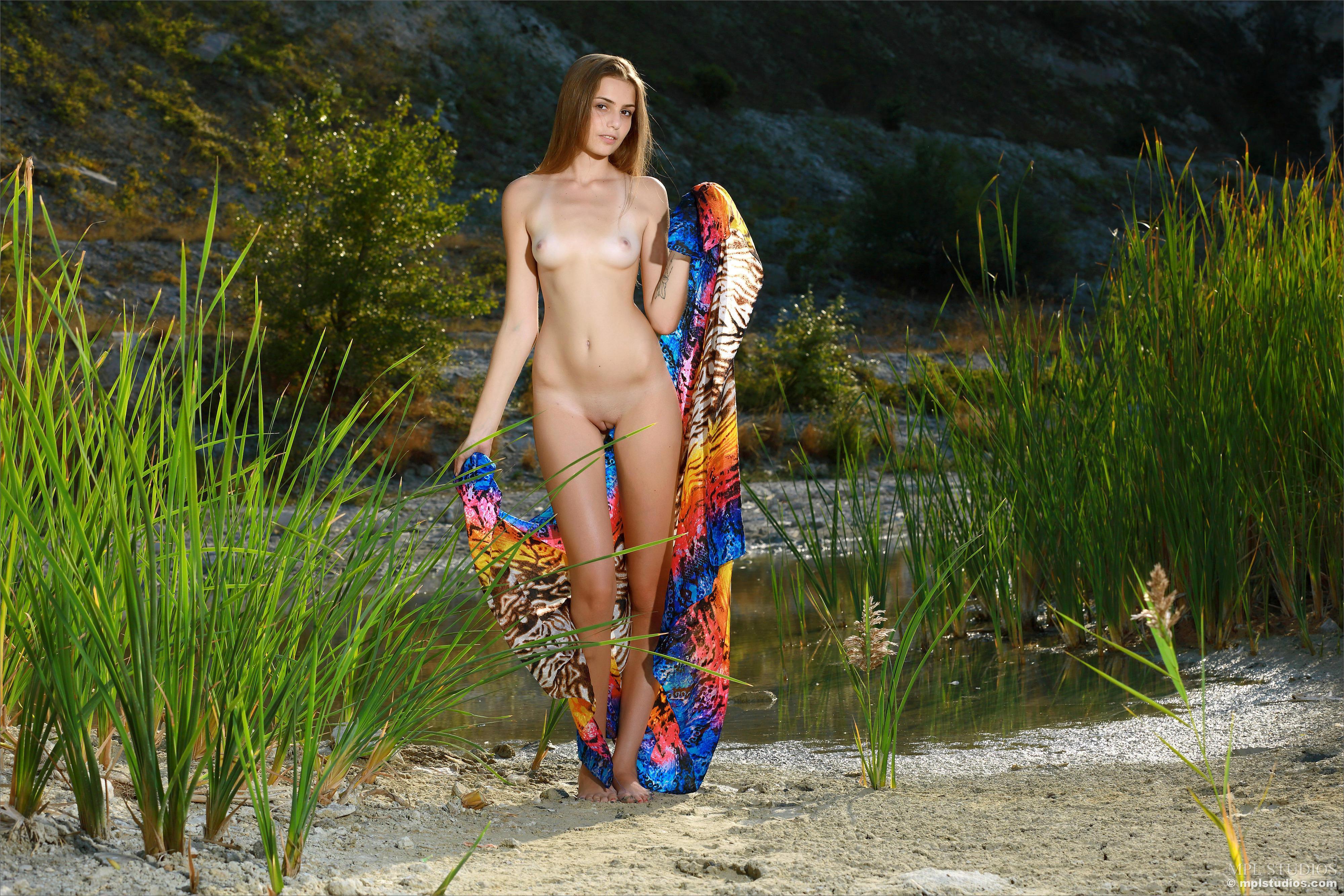 обои Elle, красотка, голая, голая девушка картинки фото