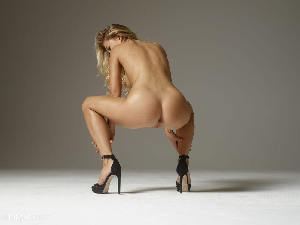 Фото бесплатно Darina L, модель, красотка, голая, голая девушка, обнаженная девушка, позы, поза, сексуальная девушка, эротика, эротика
