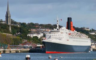 Бесплатные фото круизный лайнер,палубы,шлюпки,море,катера,порт,пристань