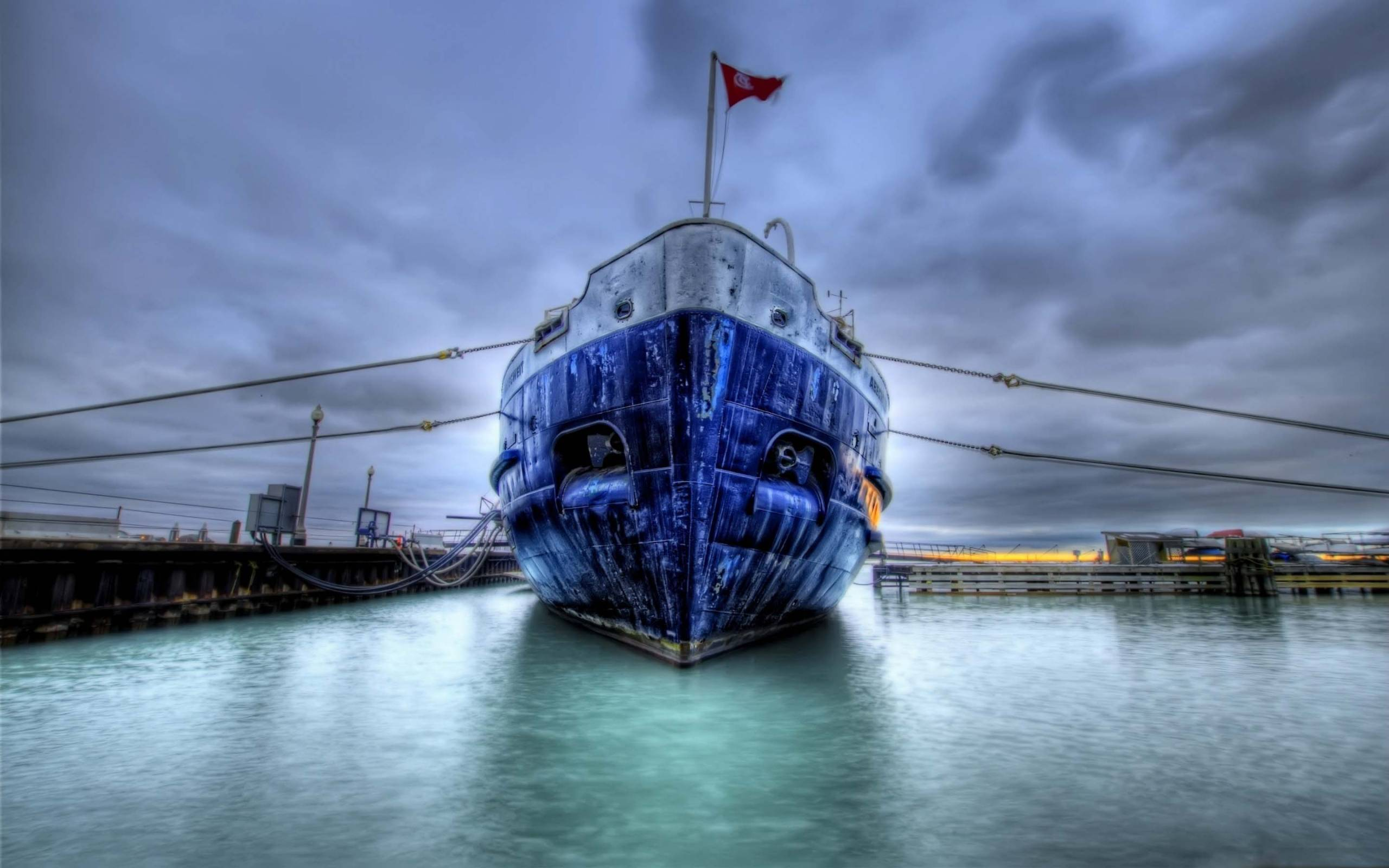 Обои старое судно, флаг, порт