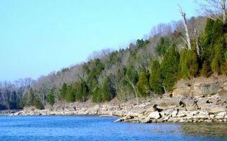 Бесплатные фото осень,озеро,берег,гора,камни,валуны,лес смешанный