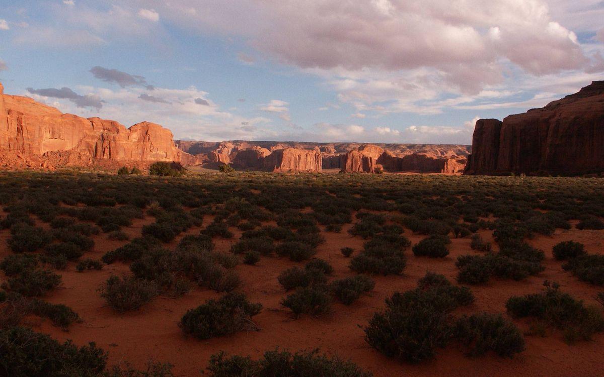 Фото бесплатно долина, трава, горы, песчаники, небо, облака, природа
