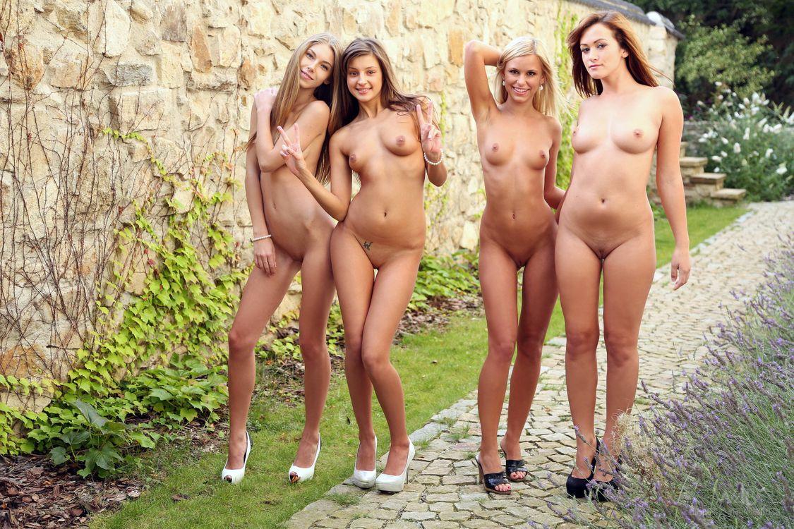 фото красивые голые подружки - 9