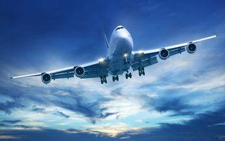 Бесплатные фото самолет,пассажирский,полет,крылья,турбины,фары,шасси