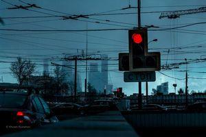 Фото бесплатно ART IRBIS PRODUCTION, Москва, светофор, туман, снег, дорога, машины, Khusen Rustamov, Хусен Рустамов, xusenru, Природа, Россия, Город, мрак