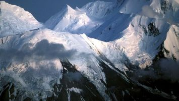 Фото бесплатно горы, скалы, вершины, снег, сугробы, облака