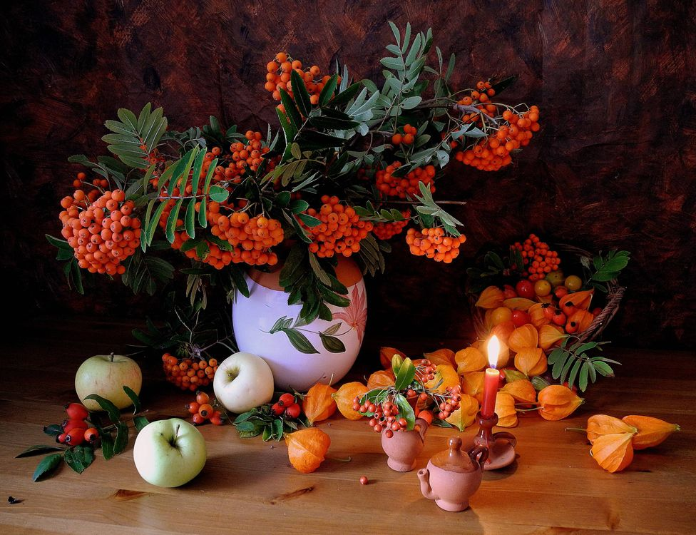 Photos for free ashberry, apples, candle - to the desktop