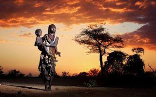 Бесплатные фото женщина,ребенок,индейцы,деревья,небо,закат