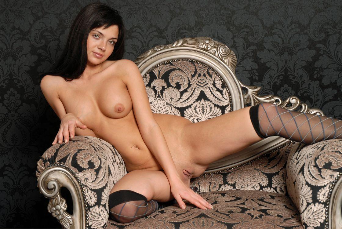 Обои Karina, Katarine, Kayla, Adel A, модель, эротика, красотка, девушка, голая, голая девушка, обнаженная девушка, позы, поза на телефон | картинки эротика - скачать