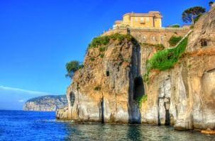 Фото бесплатно MANSION ON A CLIFF, SORRENTO ITALY