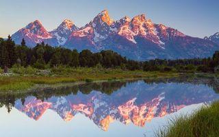 Заставки озеро в горах,лес,гора,холм,снег