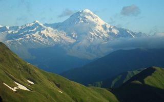 Бесплатные фото горы, трава, вершины, снег, небо, облака