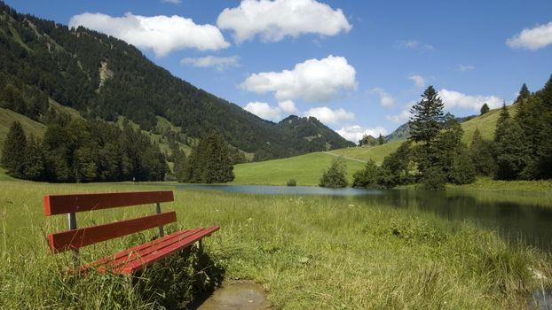 Заставки трава,лавочка,скамейка,река,деревья,горы